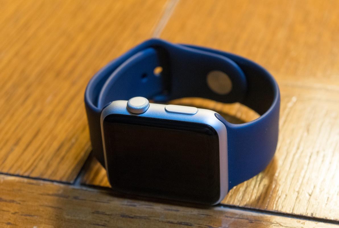 apple-watch-sport-midnight-blue-hero